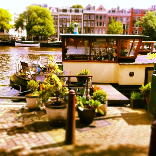 Houseboat - Perfection
